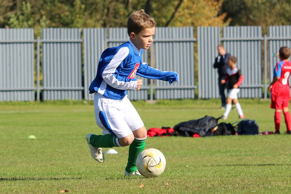 Gastbeitrag: Die Entwicklung der Spielintelligenz im Kinderfußball – Ein Beiläufer oder essenziell wichtig ?